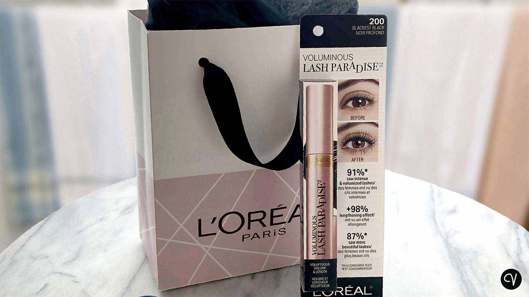 L'Oreal's best-selling mascara uses the most plastic packaging of their entire product offering. This plastic-free package concept maintains brand identity while increasing overall readability.